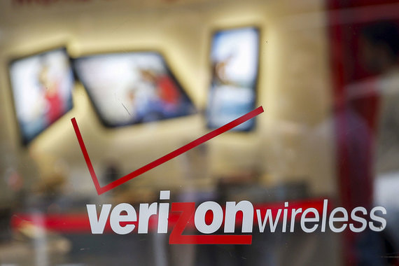 По прогнозу Goldman Sachs, инвестиции мировых технологических компаний будут расти в 2017-2020 гг. в среднем на 10,5% в год против 3,2% у компаний в целом. Телекоммуникационная компания Verizon Communications (ее подразделение Verizon Wireless – крупнейший в США поставщик услуг беспроводной связи) в 2017 г. инвестировала $17 млрд