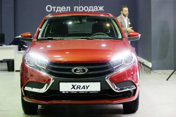 Продажи Lada Xray начались в феврале 2016 г. За год было продано 33 319 Xray