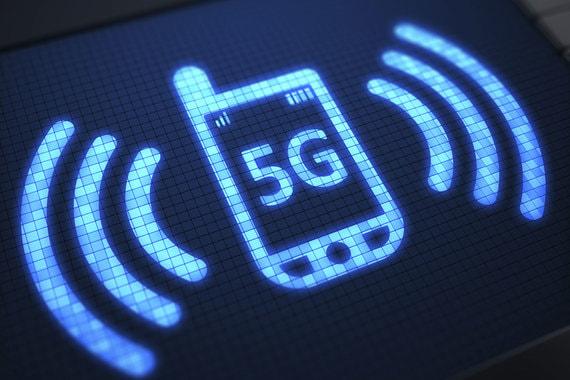 В сентябре 2019 г. пять отраслей экономики уже опробуют технологию связи  5G, способную передавать данные на скоростях свыше 10 Гбит/с. Одно из  испытаний должно пройти в городе-миллионнике. А радиочастоты для сетей  5G будут доступны операторам связи к декабрю 2020 г.