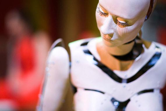 К декабрю 2020 г. банки, магазины, офисы уже могут задуматься о замене людей  на человекоподобных роботов, понимающих по-русски. Роботы позволят  избегать рисков человеческого фактора, а также экономить на найме и  обучении сотрудников. А промышленным роботам можно будет подавать команды голосом благодаря специальной технологии распознавания речи