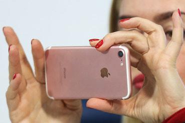 По подсчетам ведущего аналитика Mobile Research Group Эльдара Муртазина,          в России в прошлом году было продано около 3 млн подержанных аппаратов