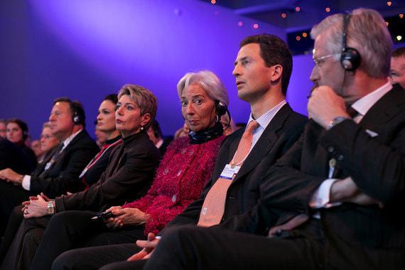 Кристин Лагард и другие участники форума во время выступления Ангелы Меркель