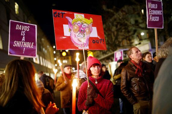 В Женеве (на фото) в акции приняло участие несколько сотен человек. Самая многочисленная демонстрация была в Цюрихе. По разным источникам, организаторы сообщали о 3000-4500 участников акции в Цюрихе. По данным полиции, участников было на порядок меньше