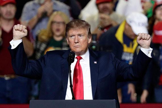 Трамп ввел режим чрезвычайного положения в США