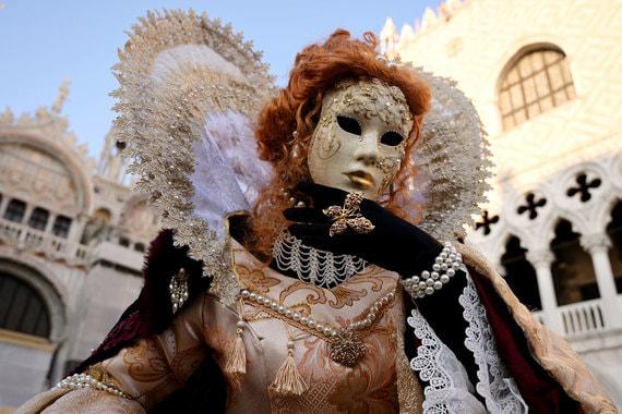 normal 1c58 В Венеции проходит традиционный карнавал
