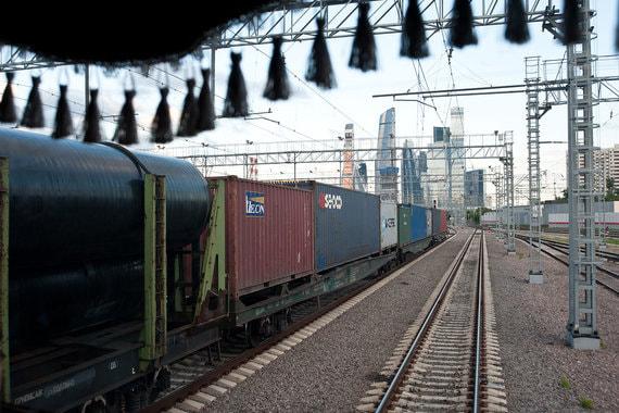 Правительство снизит штрафы для РЖД за задержку грузов