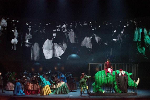 История постановки оперы «Влюбленный дьявол» так же небывала, как и ее сюжет