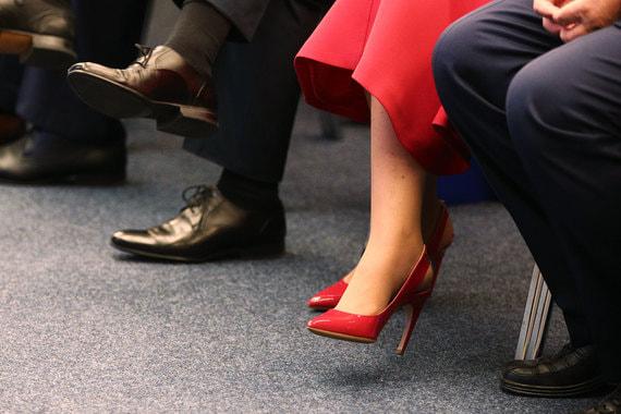 normal 1mqh «Привлекательная и сорит деньгами»: что инвесторы говорят о женщинах