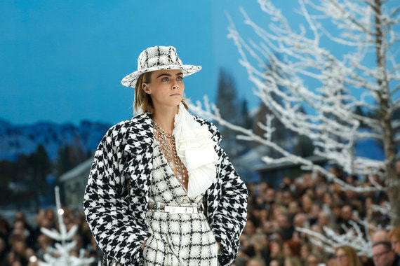normal 1eo9 Chanel показала последнюю коллекцию Карла Лагерфельда