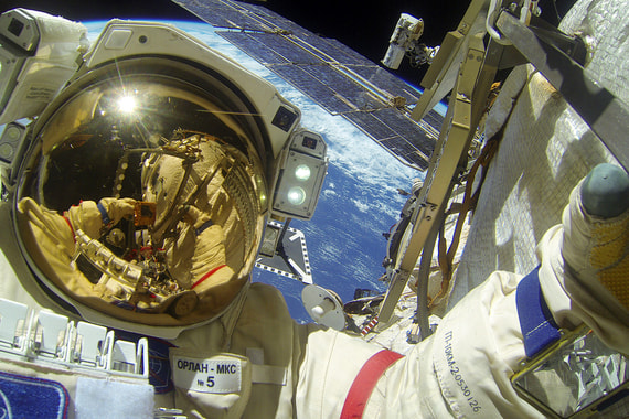 normal 1qhd «Роскосмос» возобновляет туристическую программу на МКС