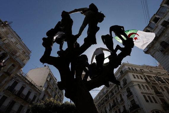 Алжир и Судан стали продолжением «арабской весны»