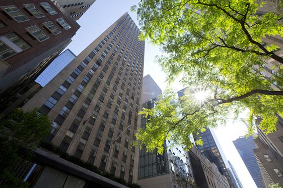 «Рокфеллер-центр» будет сдавать квартиры через Airbnb