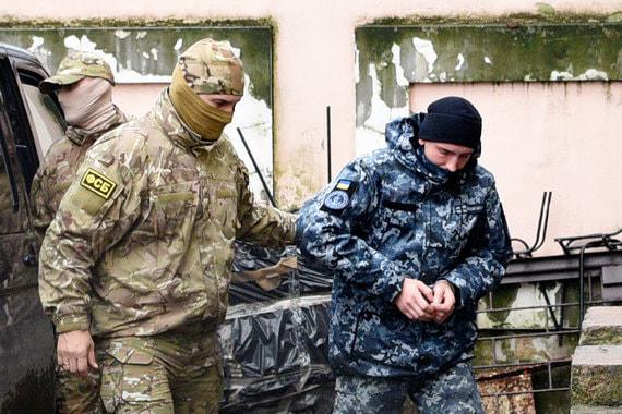 Украинские моряки были задержаны по другому поводу, но теперь служат картой в политическом противостоянии