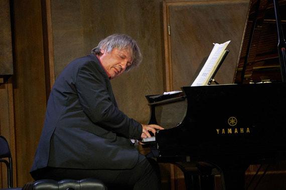 normal 1row Пианист Борис Березовский: «Классическая музыка сама по себе не делает людей лучше»