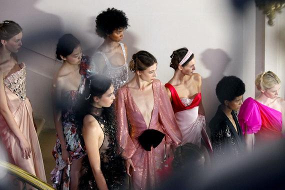 normal 1e3m Что показали на Неделе высокой моды в Париже