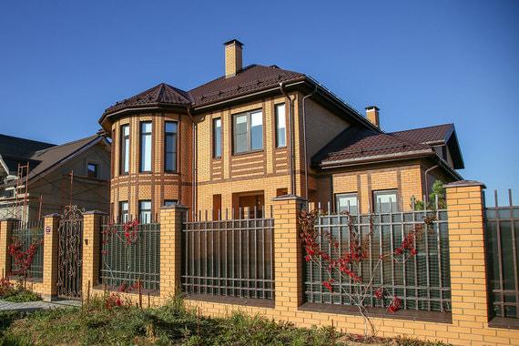 Девелоперы коттеджных поселков Петербурга перестали строить дома за свой счет