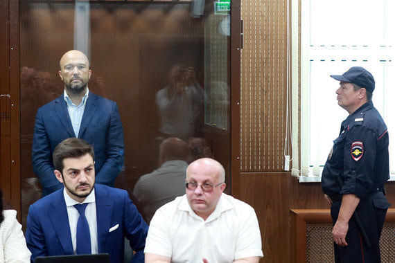 normal 167k Суд арестовал бывшего владельца крупнейшего в России НПЗ