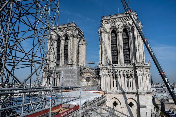 Собор Парижской Богоматери через три месяца после пожара. Фотографии