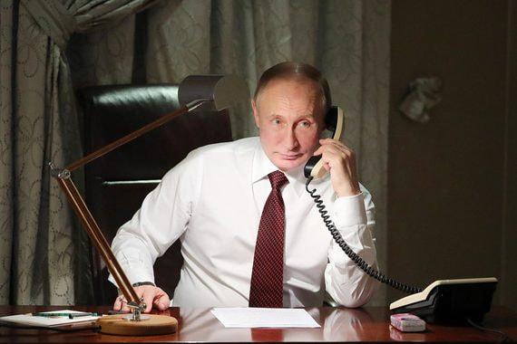 Кремль раскрыл детали телефонного разговора Путина с Зеленским