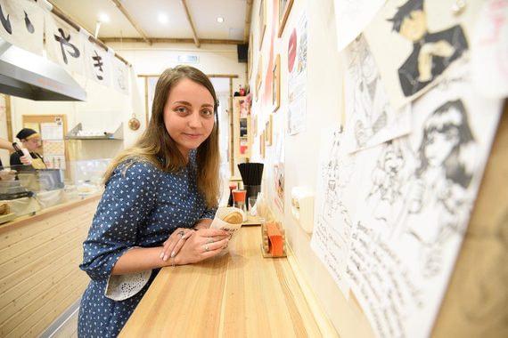 Как переводчица из Петербурга зарабатывает на японских вафлях с бобами