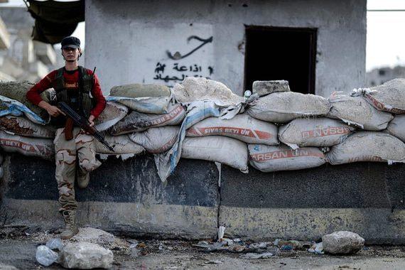 Турецкие военные попали в окружение сирийских войск вместе с боевиками