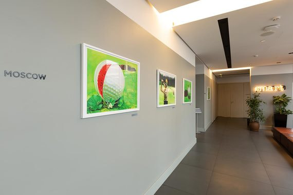 Картины Владимира Дубосарского на конференц-этаже