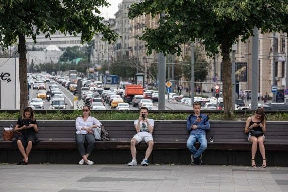 В России за полгода выросло число сотовых абонентов