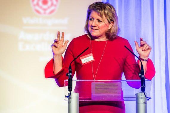 Директор агентства по развитию туризма VisitBritain: «Королевская семья стала брендом, очень важным для Великобритании»