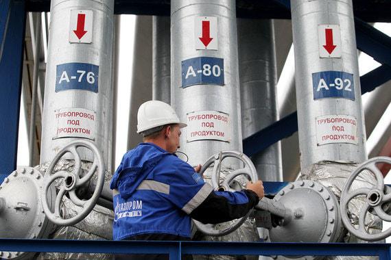 «Газпром нефть» начнет продавать топливо на заправках в рассрочку