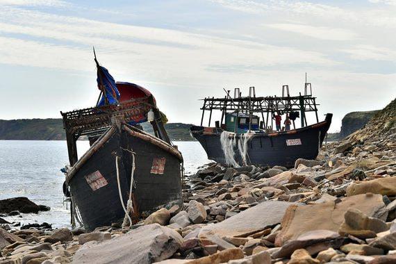 Браконьеры из КНДР напали на российских пограничников в Японском море