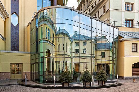 normal 128z Чубайс продал часть офиса «Романов двор» возле Кремля