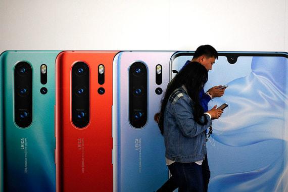Huawei установит российскую операционную систему на свои серверы