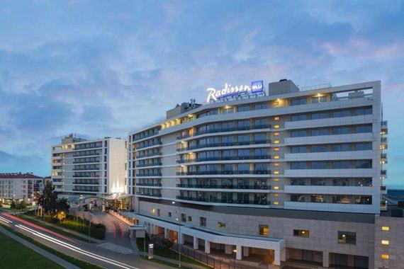 Люксовая гостиница Kempinski Grand Hotel в Геленджике выставлена на продажу