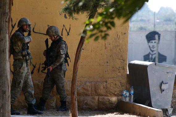 Турецкие войска и их союзники продолжают наступление на сирийских курдов