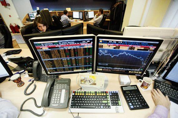 Крупнейший брокер на треть увеличил капитал своего банка