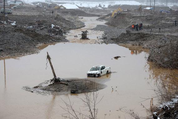 15 человек погибли из за затопления золотого прииска в Красноярском крае
