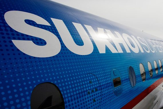 Поставки самолетов SSJ100 в этом году упадут до минимальных за семь лет