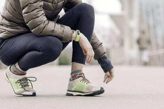 Россияне все больше интересуются фитнес-браслетами и умными часами