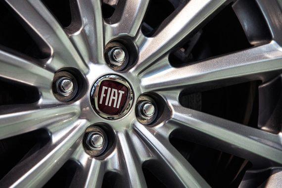 Fiat Chrysler и Peugeot обнародовали параметры будущего слияния