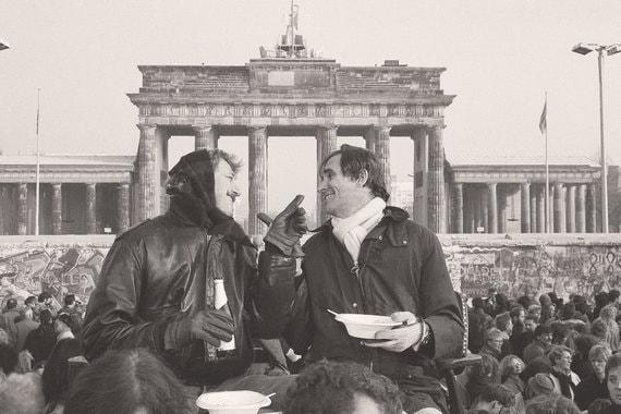 Российские реставраторы Берлинской стены