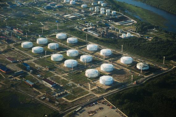 Ослабление рубля помогло «Роснефти» наполнить бюджет