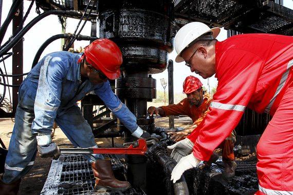 Венесуэла вынуждена продавать нефть с большим дисконтом