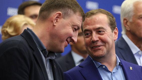 «Единая Россия» на съезде утвердит решения о перестановках в руководстве партии