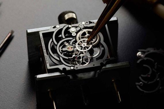 normal 19r3 Chanel купила нового производителя часовых механизмов