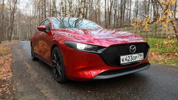 Mazda 3: Красный кентавр
