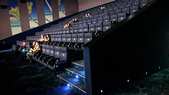 Государство возьмет под управление часть региональных кинотеатров