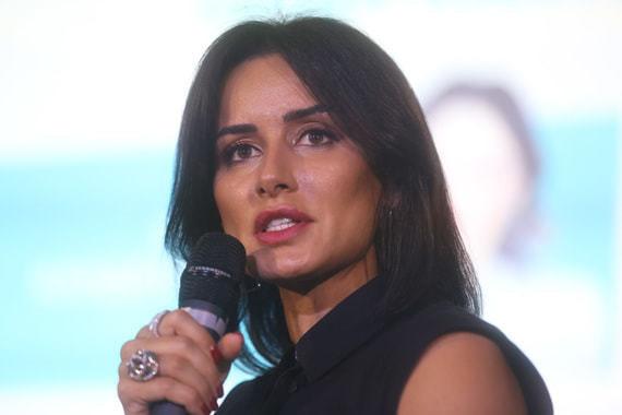 Тина Канделаки снимет эротические триллеры и комедии для ivi