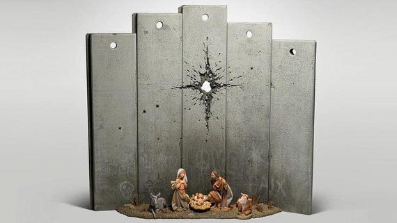Бэнкси выставил «простреленный» Рождественский вертеп в своем отеле в Вифлееме