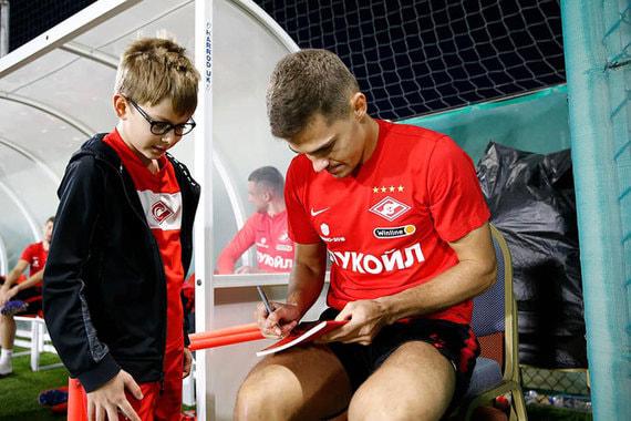 «Спартак» откроет сотни футбольных школ в регионах