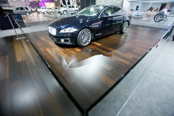 Владелец автомобиля Jaguar XJ требует в суде от импортера более 40 млн рублей
